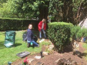 Churchyard Working Party 3
